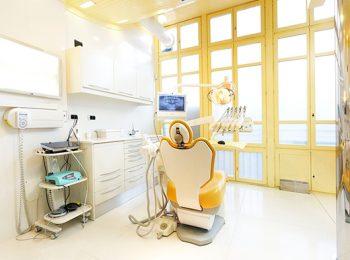Limpieza dental y blanqueamiento, clínica dental Oviedo